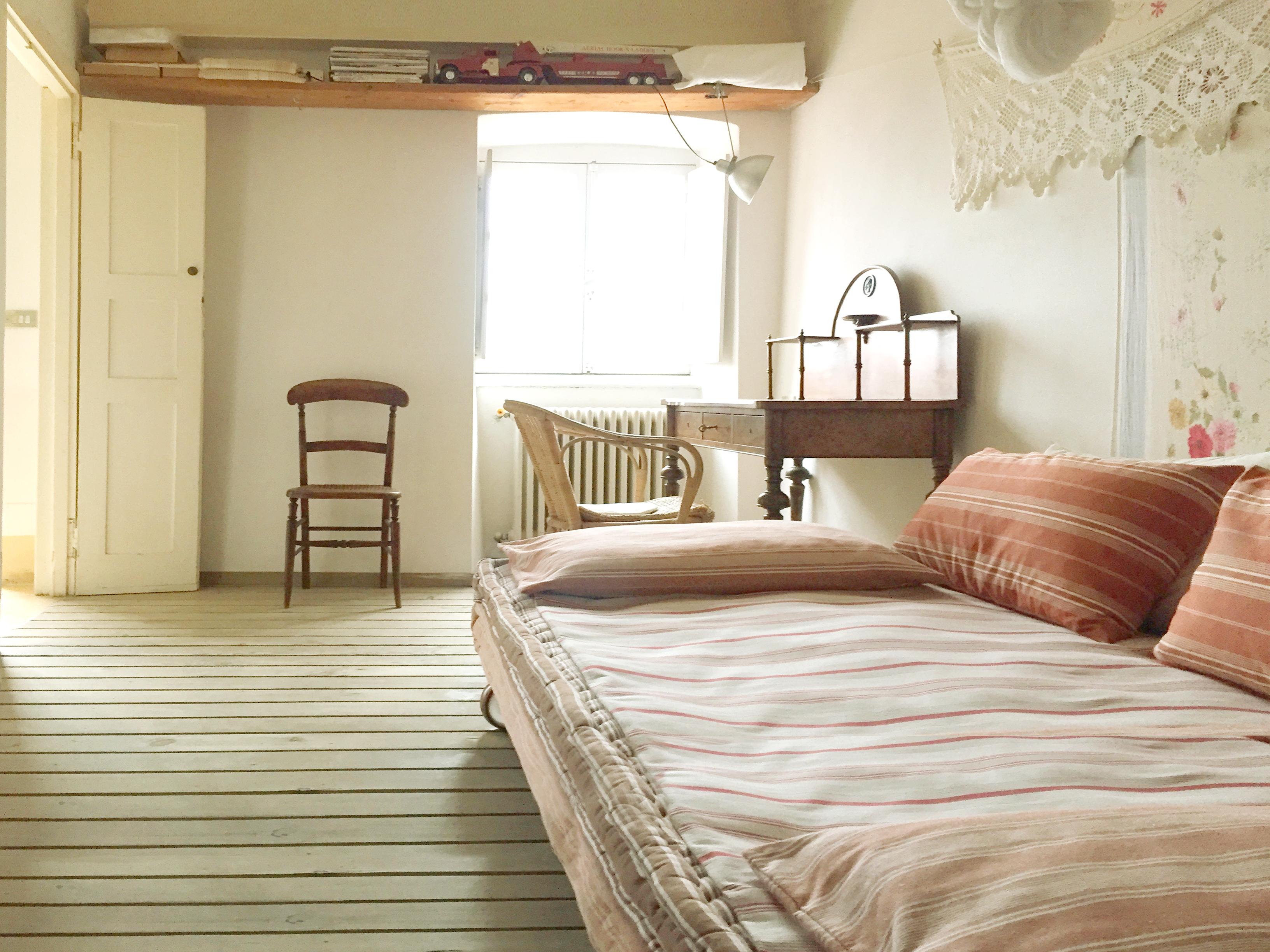 lines bed oom
